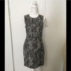 H&M Black and white patterned shift dress!